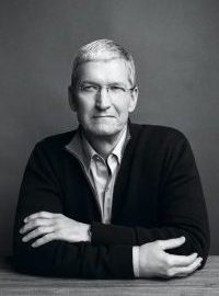 tim-cook-black-and-white